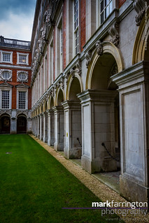 Hampton Court - Courtyard