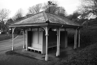 Wyche Cutting Bus Shelter